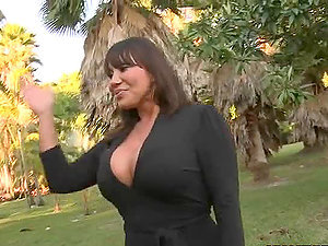 Big-boobed Brown-haired Mummy Ava Devine Screwed In The Bathroom