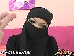 Covered Up Arab Beauty Deepthroats And Fucks As A Pastime