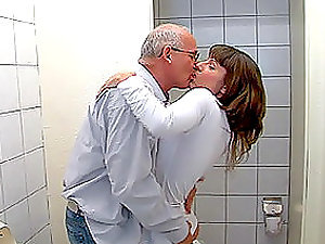 Nasty Teenage Fucked By an Old Man in The Bathroom