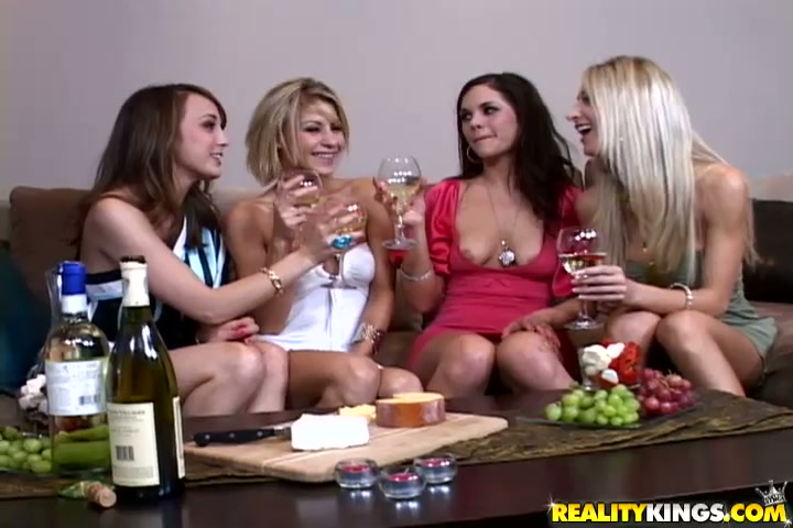 Пьяная домашняя вечеринка порно видео167
