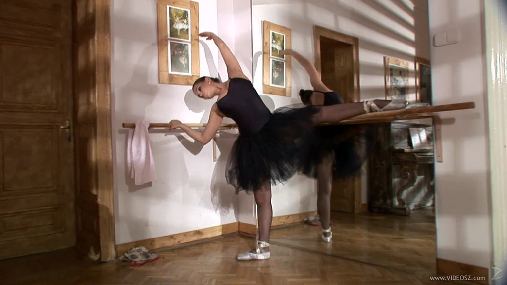 Балерина порно letitbit 75