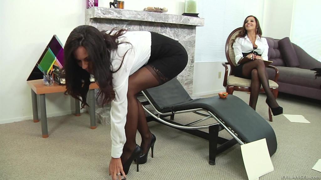 Куни секретарше смотреть порно онлайн