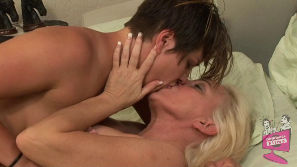 Порно старушки лесбиянки