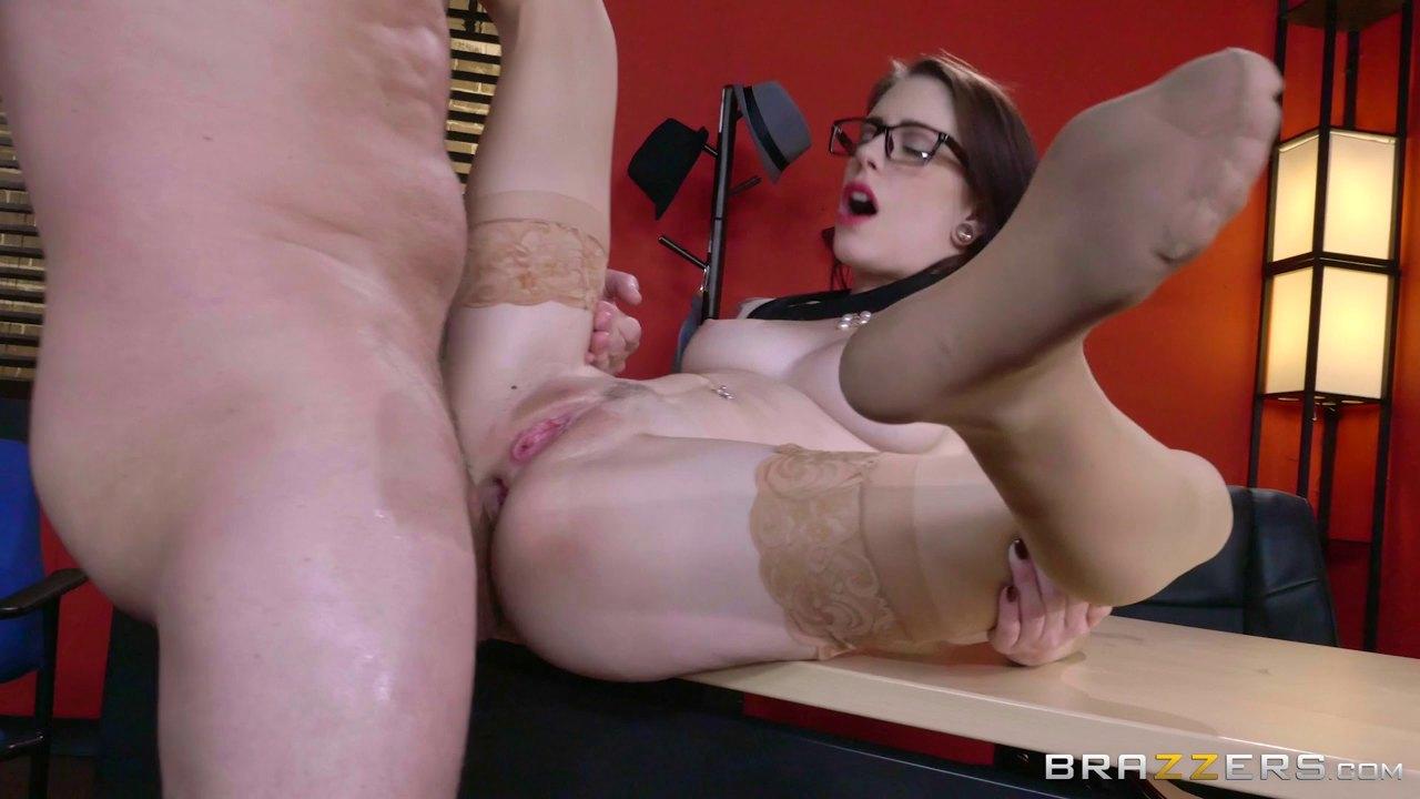 porno-visokie-v-ochkah