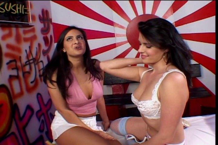 Babes Threesome Porn Videos on