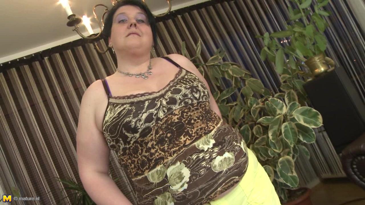 305Смотреть пизду у толстой