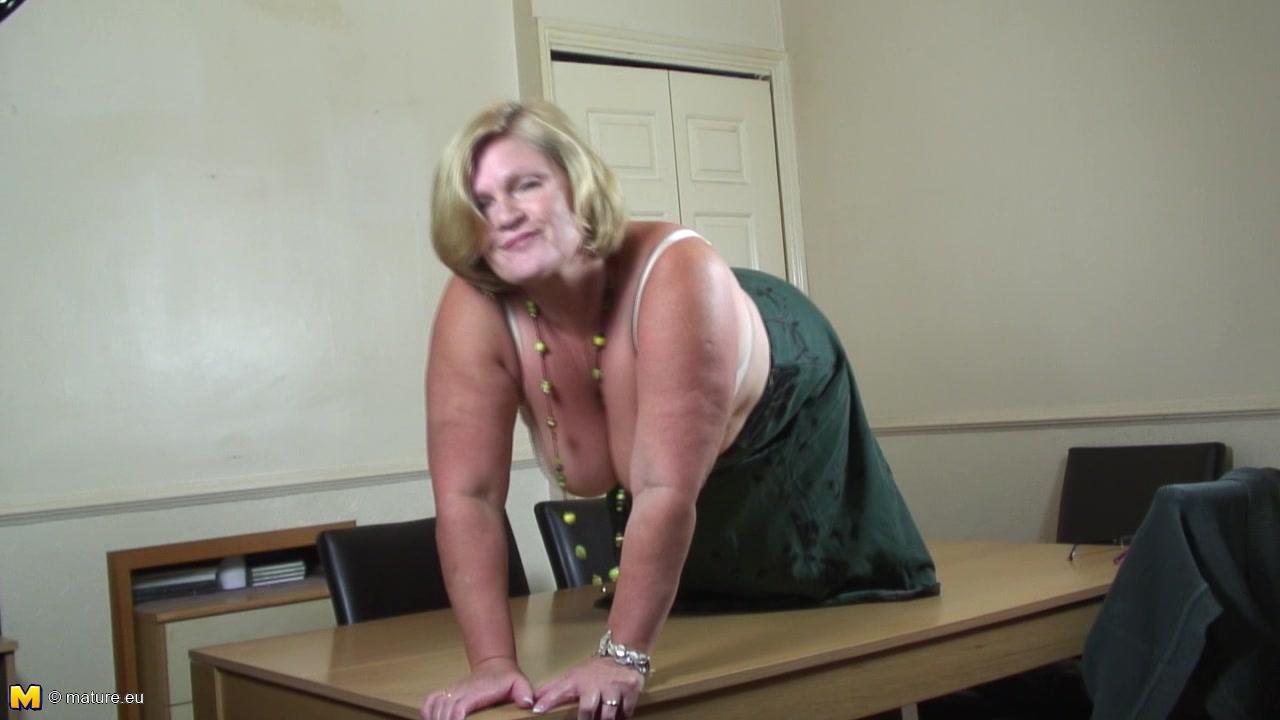 Mature sybian porn