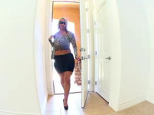 Nasty burglar undressing Melanie Monroe to drill her soaking wet cunt