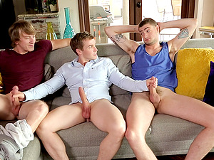 Amateur gay threesome sex with three very horny best friends