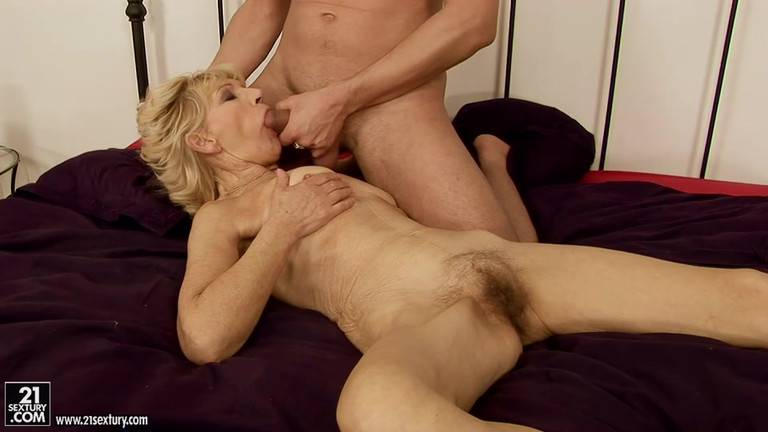 Wet Pussy Getting Fucked