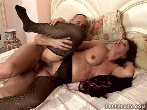 Порно фото сперма бабушки в чулках 83273 фотография
