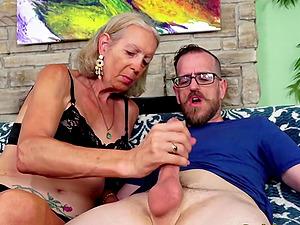 Cock craving older women and grandmas sucking stiff and thick dicks so sweet