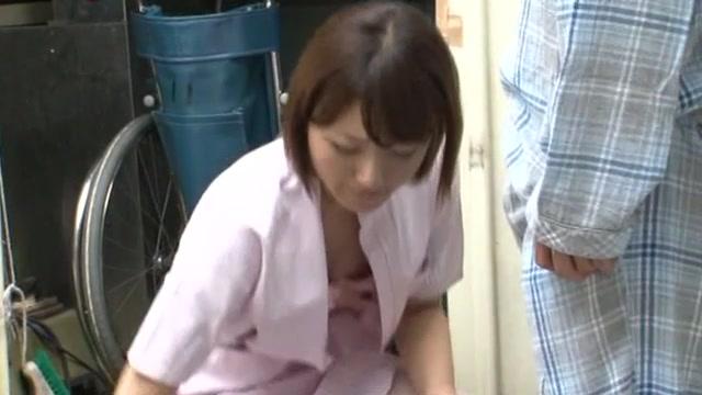 Японская медсестра сосет