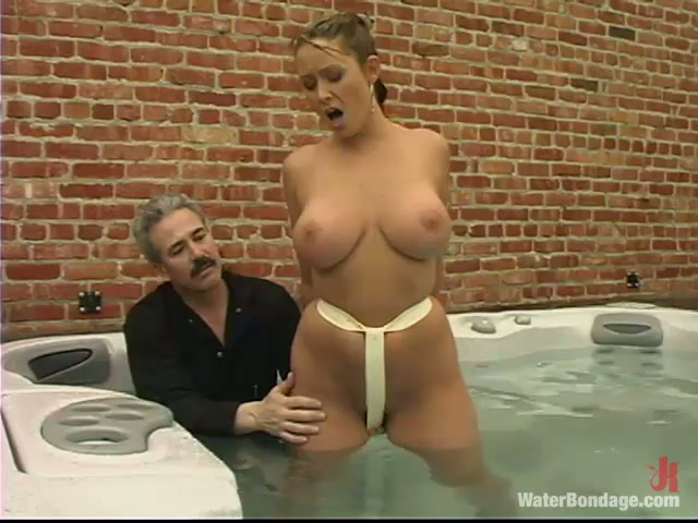 Mature naked wife pic