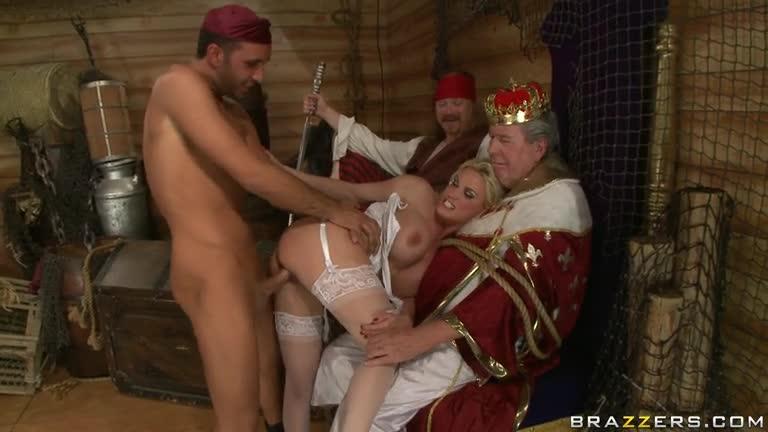 Видео порно с королем или королевой из средневековья фотки