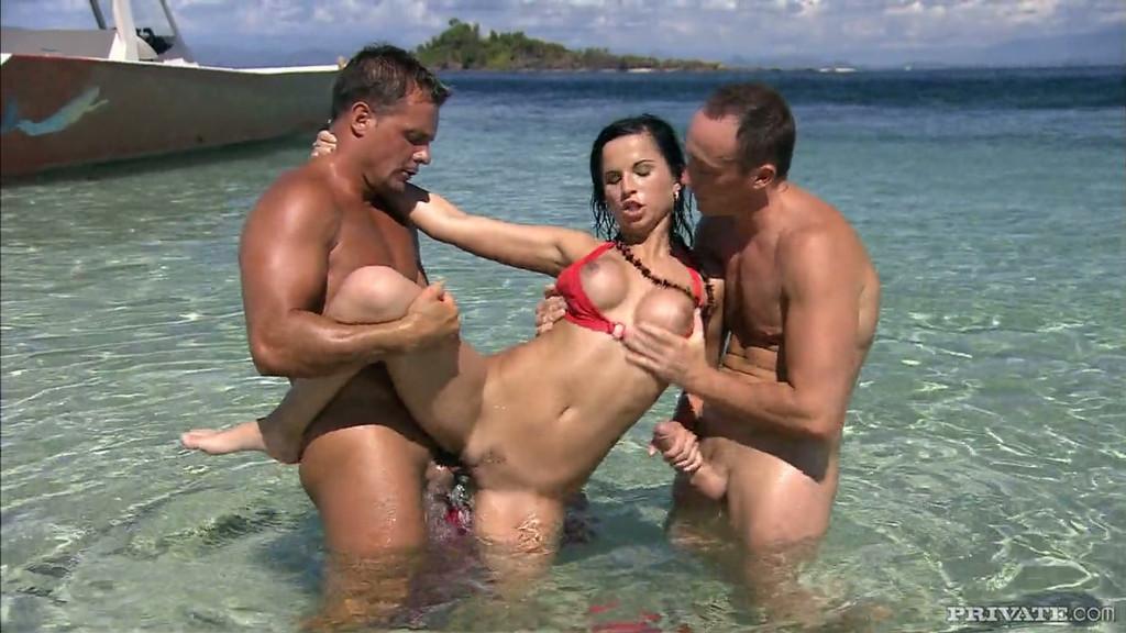 порно разводы на пляжах